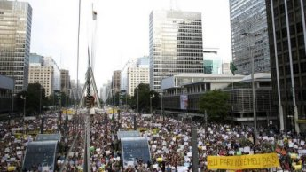 Fresh protests in Brazil despite promise of reforms
